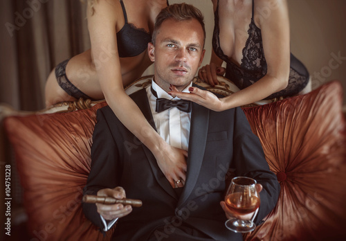 Hot Latina chick Shy Love enjoys the company of 2 men during an MMF threesome № 185656  скачать