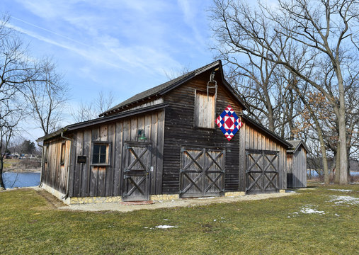 Rustic barn with Amish quilt