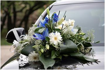 Bouquet fiori auto matrimonio