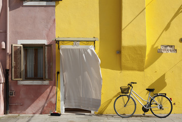 Fototapete - Colorful residential house in Burano island, Venice, Italy, Europe