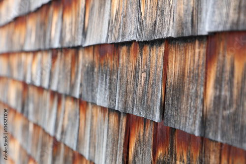 holzschindel wooden shingles stockfotos und lizenzfreie bilder auf bild 104827006. Black Bedroom Furniture Sets. Home Design Ideas