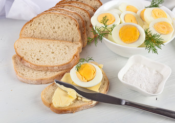 breakfast with boiled eggs