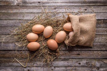 Brown hen's eggs