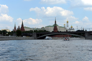 View of the Moscow Kremlin and Big Stone bridge.