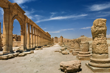 Syria. Palmyra (Tadmor). The central part of the Great Colonnade leading along main street. This site is on UNESCO World Heritage List