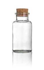 Korkenglas vor weißem Hintergrund