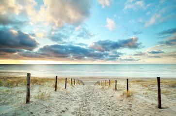 sand way to the North sea beach