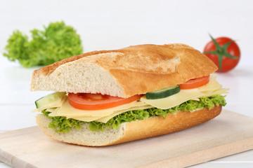 Belegtes Baguette mit Käse