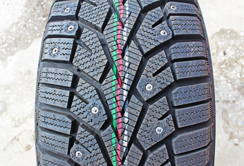 Car winter tyres with spikes