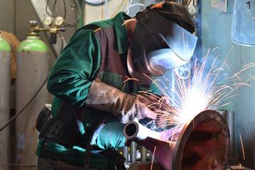 Schweißer in der Industrie // welder in industry
