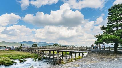 京都嵐山の渡月橋風景