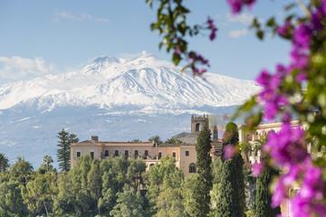 Etna view from Taormina, Sicily, Italy Fototapete