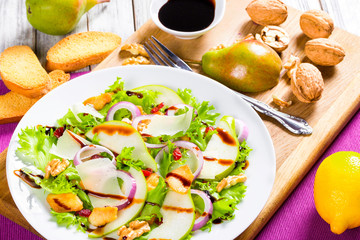 lettuce, pear,  grilled chicken breast, walnut, parmesan cheese,