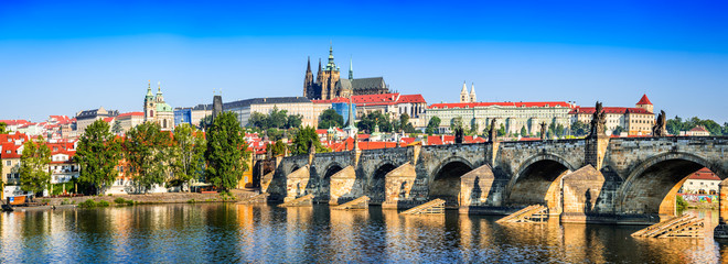 Foto auf Gartenposter Prag Prague, Charles Bridge, Czech Republic