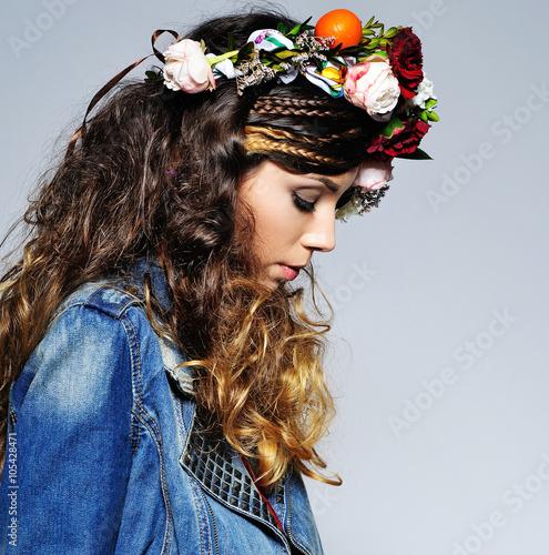 Statement Photo Beautiful Woman Fashion 40