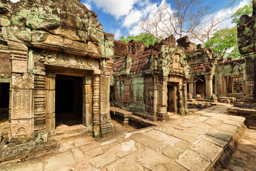 Wall Mural - Mossy buildings of ancient Preah Khan temple in Angkor, Cambodia