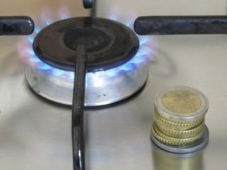 Gas cost: Propane gas burning and euro coins