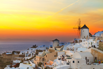 Photo sur Aluminium Jaune windmill of Oia at sunset, Santorini