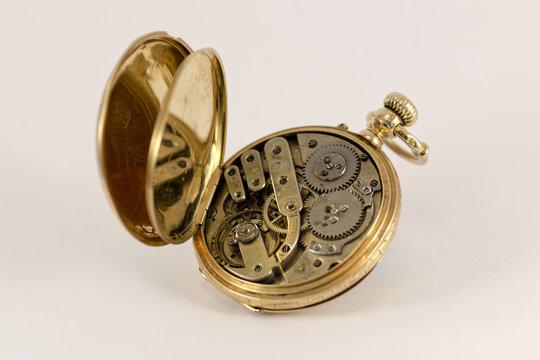 Vintage Pocket Watch 18K Gold  P.Petersen GENEVE nº 45589 Remontoir Ancre  Ligne Droitel  Spiral isochronel 15 rubis BALANCIER COMPENSE