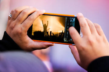 photographie smartphone portable mobile concert musique scène a