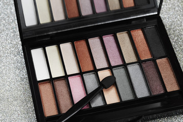 Eye shadow selection with make up brush