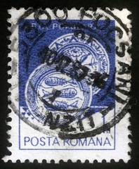 Stamp printed in the Romania, shows Ceramic plate, from Radauti, circa 1982