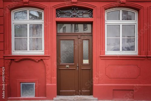 wohnung haust r eingang stockfotos und lizenzfreie bilder auf bild 105795429. Black Bedroom Furniture Sets. Home Design Ideas