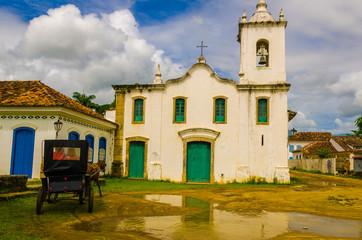 PARATY, RIO DE JANEIRO, BRAZIL - JAN 17, 2016: Carriage an, hors