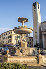 Pontedera,Fontana presso il Duomo.