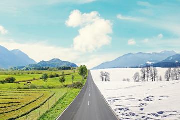 Landstraße durch Berglandschaft - Frühlings- und Winterlandsch