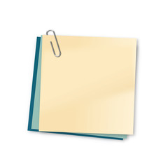 Blank sticky note and paper clip with clipping path