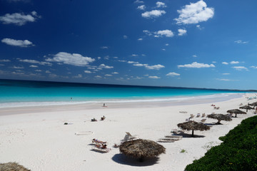 Bahamas: Pink Sands Beach