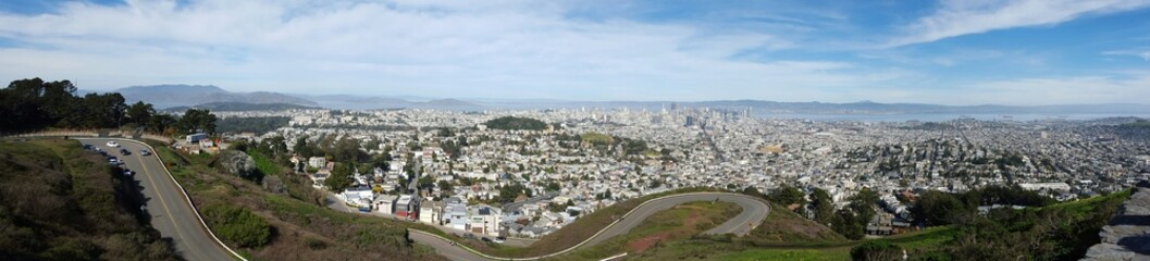 San Francisco view from Twin Peaks observation desk.