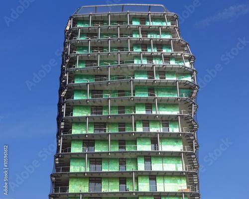 Immeuble design et moderne d 39 habitations photo libre de for Image immeuble moderne