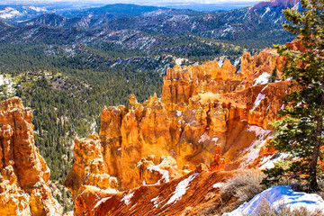 Bryce Canyon NP with late winter snow