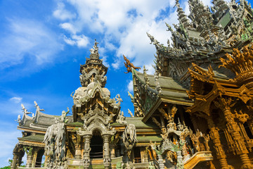 Thai temples, cultural monuments