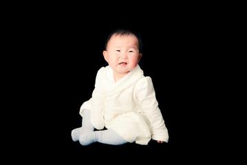 泣いている赤ちゃん,黒背景