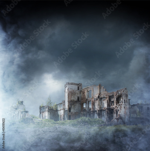 Wall mural Apocalyptic ruins of the city. Disaster effect
