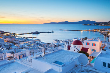Deurstickers Mediterraans Europa View of Mykonos town and Tinos island in the distance, Greece.