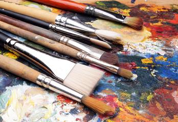 щетки, палитра акварельных красок