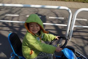 ゴーカート のりもの 少年 運転 公園