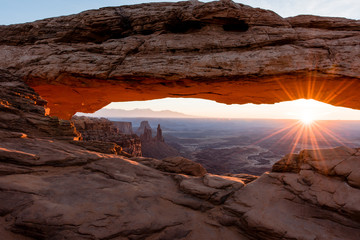 Deurstickers Canyon Canyonlands National Park Mesa Arch at Sunrise
