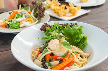 Seafood spicy stir-fried spaghetti