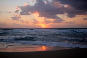 Foto op Plexiglas Zee zonsondergang закат на Средиземном море