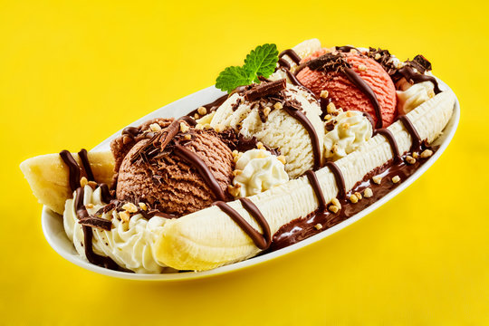 Tropical banana split with chocolate drizzle