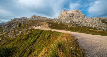 Cinque Torri trekking, Dolomites