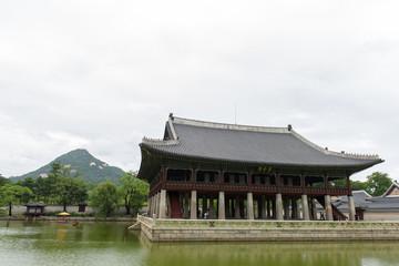 Cloudy day at Gwanghwamun Royal Palace