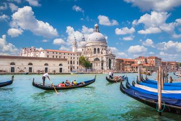 Foto op Aluminium Venetie Gondolas on Canal Grande with Basilica di Santa Maria della Salute, Venice, Italy