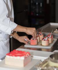 making cake's with cream