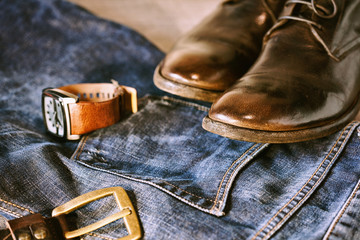 Men's casual outfits with accessories in grunge style
